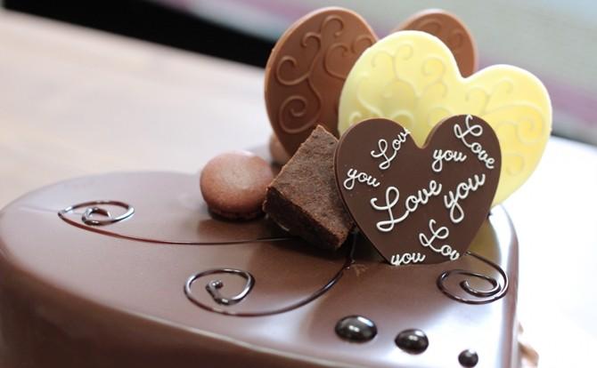 バレンタインデーの由来とチョコレートの関係は?