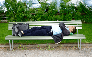 aiいつも眠たい・・・もしかして過眠症?過眠症のチェック方法と治療法